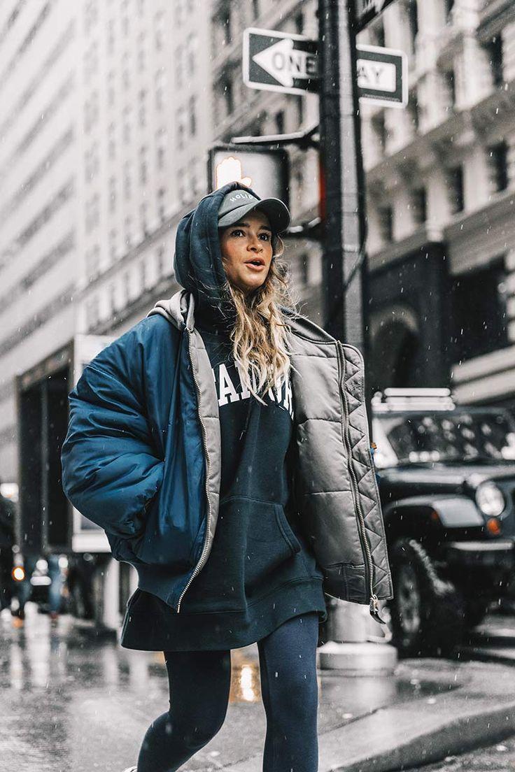 Mặc hoodie phong cách layer