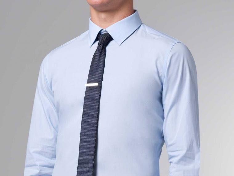 kết hợp áo sơ mi và vest nam