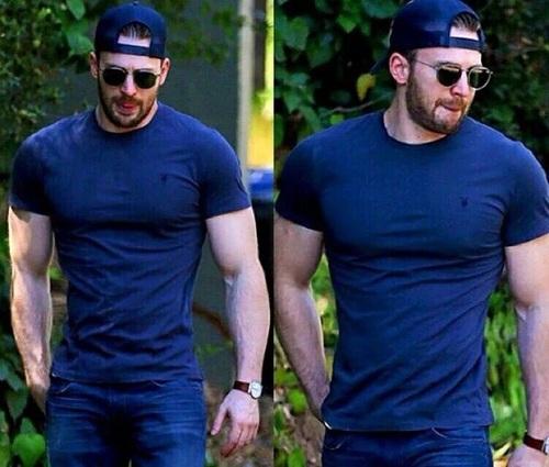 đàn ông cơ bắp nên mặc gì