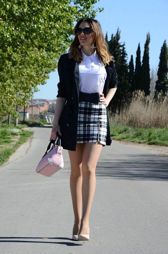 Áo polo nữ kết hợp chân váy bút chì