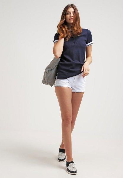 Kết hợp áo polo nữ với quần short